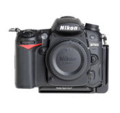 L-Plate for Nikon D7000 seen on camera front view