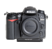 Plate for Nikon D7000 seen on camera front view