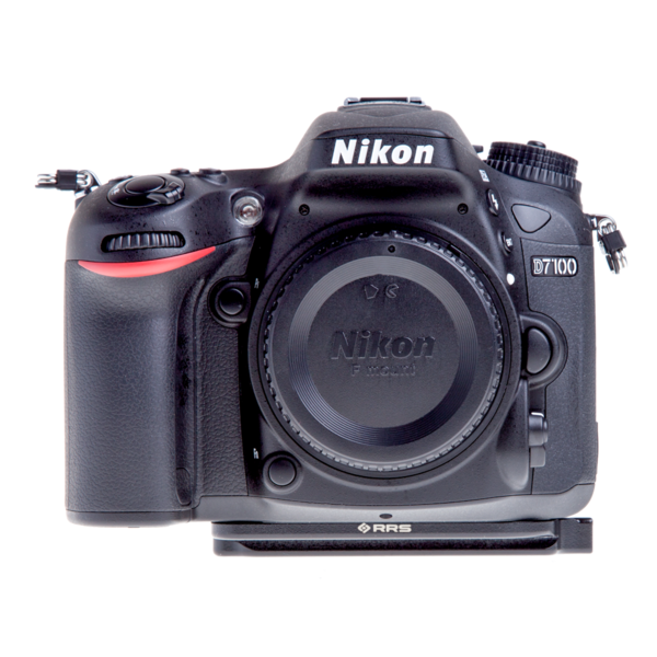 Plate for Nikon D7100 and D7200 seen on camera front view