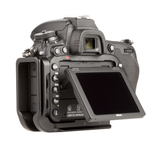 BD750 aluminum L plate attached to camera back angle view