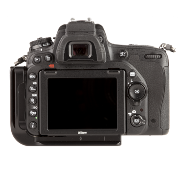 BD750 aluminum L plate attached to camera back view