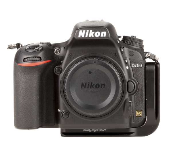 L-plate for Nikon D750 seen on camera front view