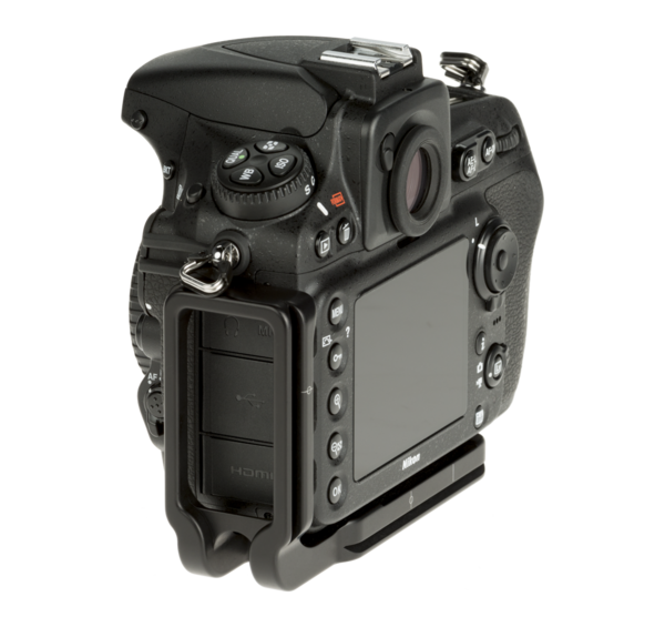 L-Plate for Nikon D810 seen on camera