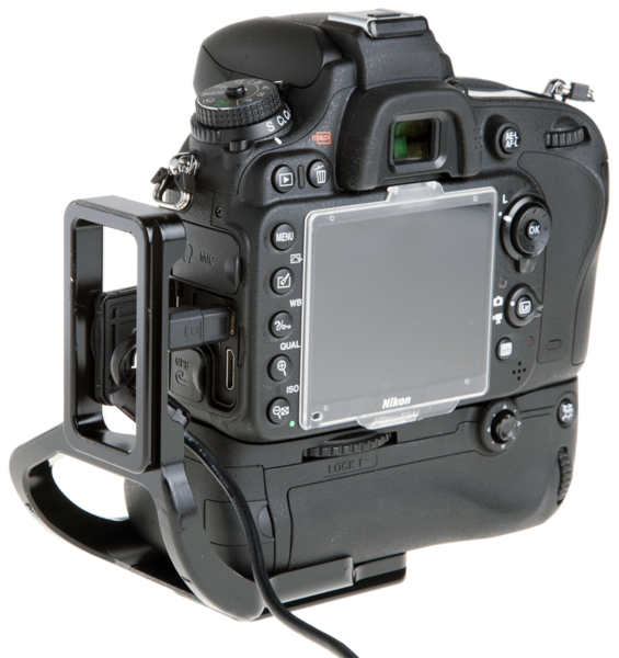 L-Plate for Nikon MB-D14 Grip seen on camera