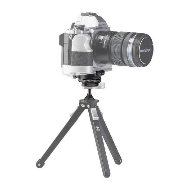 The BPC-16 can hold lightweight camera and lens setups