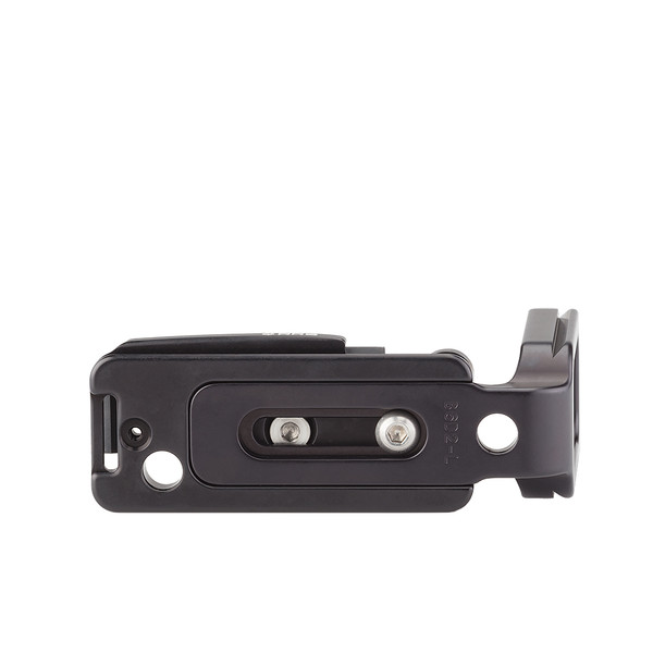 Plates for Canon EOS-6D Mark II including base plate, L-Component, no battery grip, bottom view