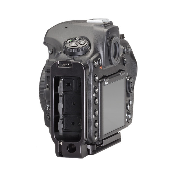 Nikon D850 Modular L Plate without battery grip seen on camera side view