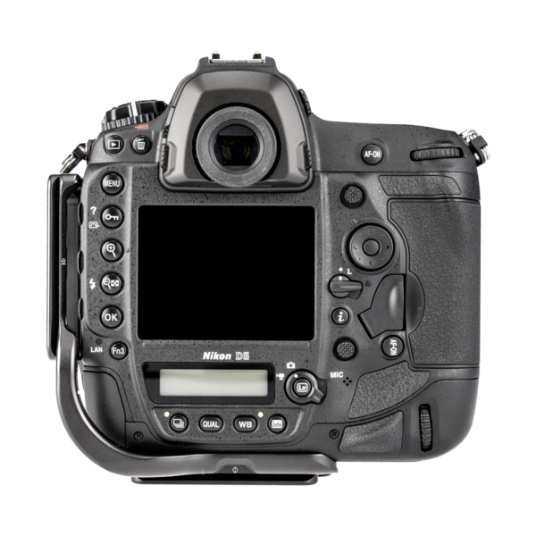 BD5 aluminum L plate attached to Nikon D5 back view