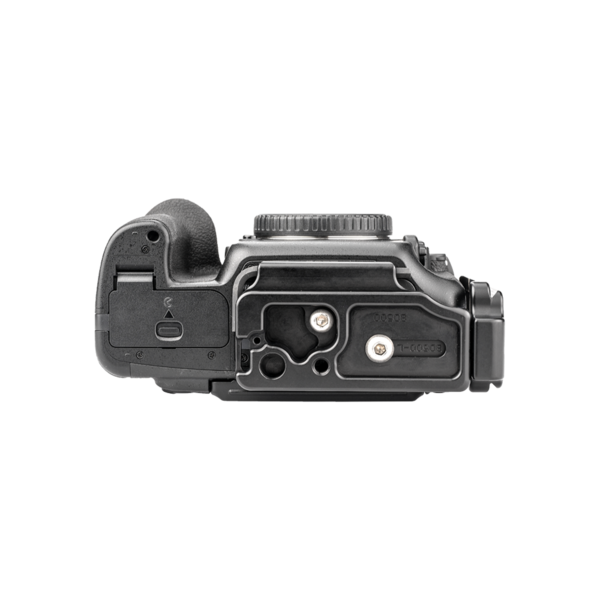 L-Plate set for Nikon D500 attached to camera bottom view