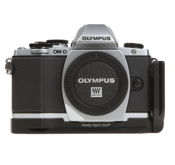 L-plate for Olympus OM-D E-M10 attached to camera front view