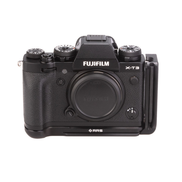 Fuji X-T3 with Really Right Stuff modular L-plate - front view