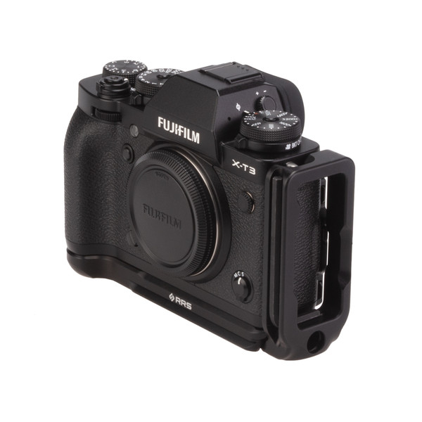 Fuji X-T3 with Really Right Stuff modular L-plate - front angled view