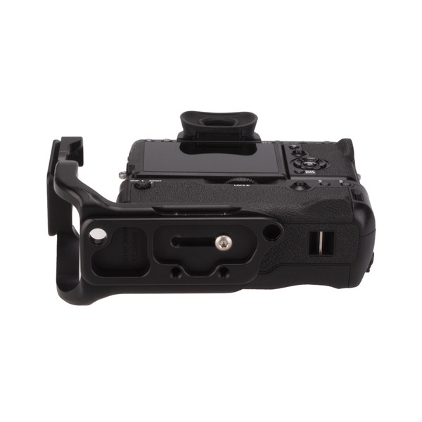 Fuji X-T3 Battery Grip with Really Right Stuff L-Plate Extended - bottom view