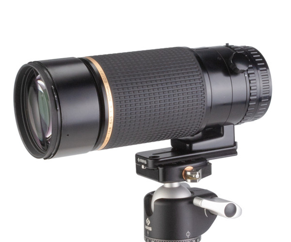 Multi-use lens foot - L85 attached to lens on a setup