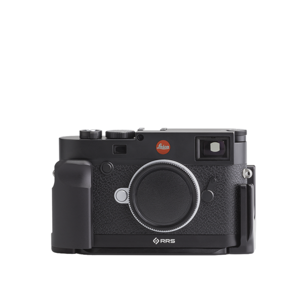 Base plate, L-component and battery grip on Leica M10 - front view