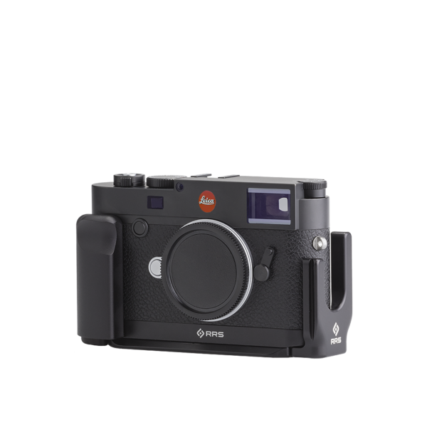 Base plate, L-component and battery grip on Leica M10 - diagonal view