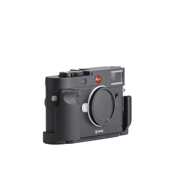 Base plate, L-component and battery grip on Leica M10