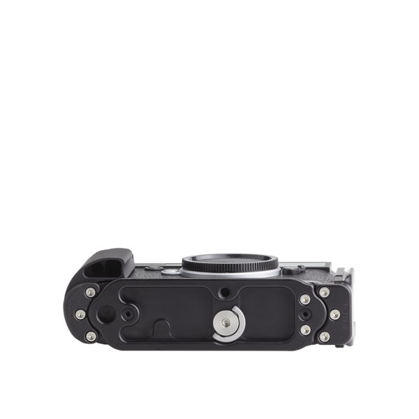 Base plate, L-component and battery grip on Leica M10 - bottom view